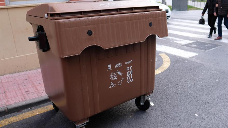 El contenedor marrón llega al barrio de Numancia de Elda