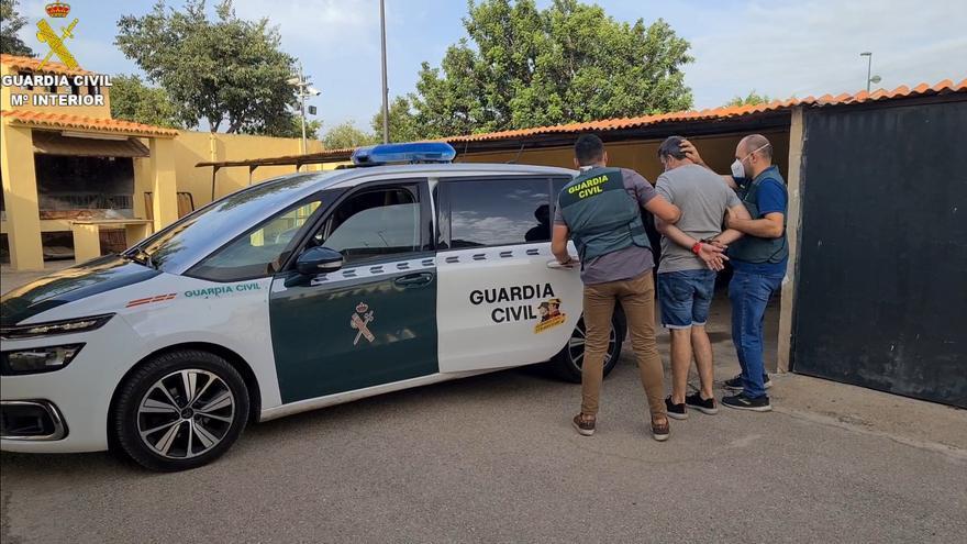 Tres detenidos en Sagunt por estafar cerca de 100.000 euros con el fraude del CEO