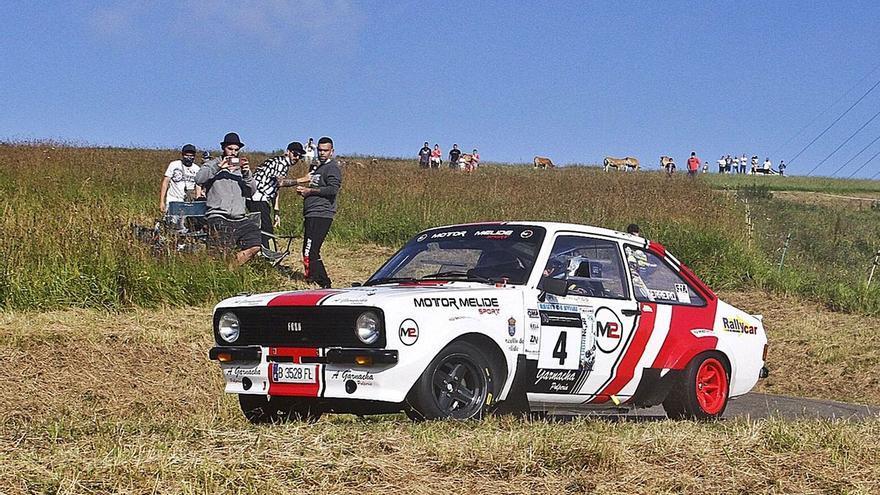 Ferreiro supera sus problemas técnicos para ganar el Rally de Avilés Histórico