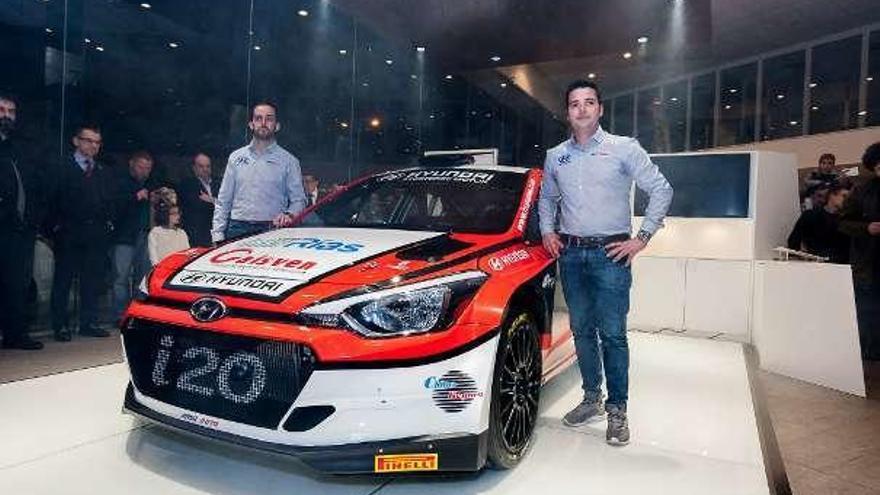 Iván Ares presenta el Hyundai I20 R5 en Finisterre Motor