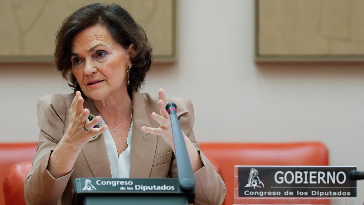 La vicepresidenta Carmen Calvo en una comparecencia en el Congreso