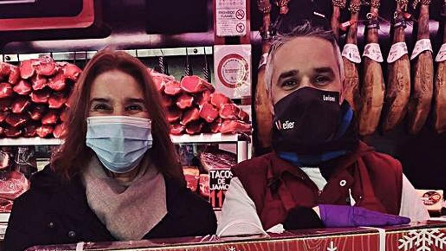 Embutidos Ballesteros entrega su sexta cesta de Navidad