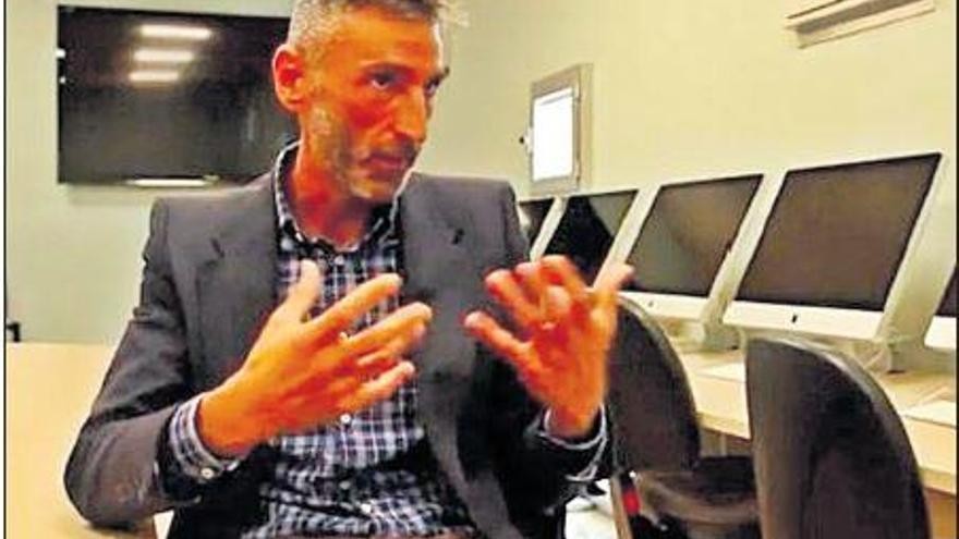 Josep Lluís Micó publica dos relats de casos reals sobre la mentida i la mort