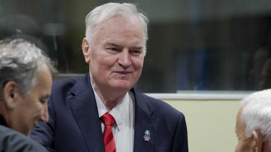 Mladic, condemnat a cadena perpètua pel genocidi d'Srebrenica i crims de guerra