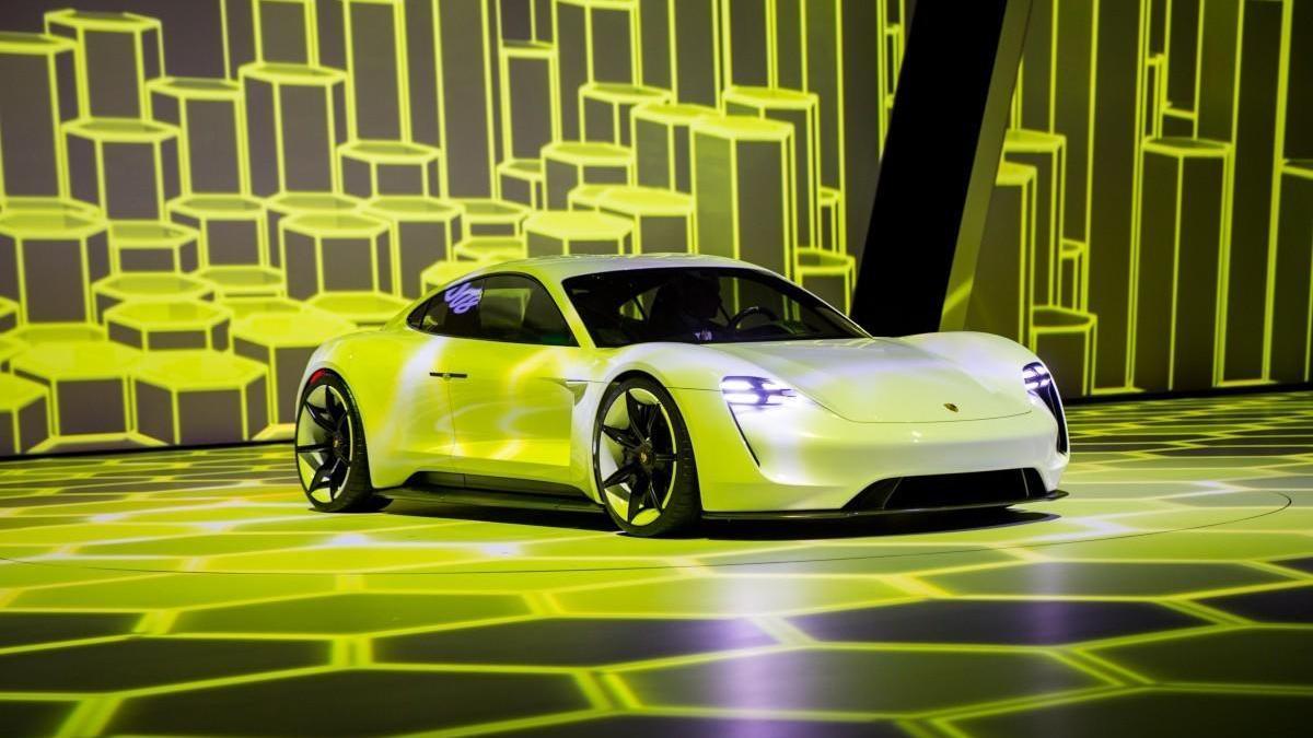 Porsche Taycan: más de 70 fotos en una súper galería