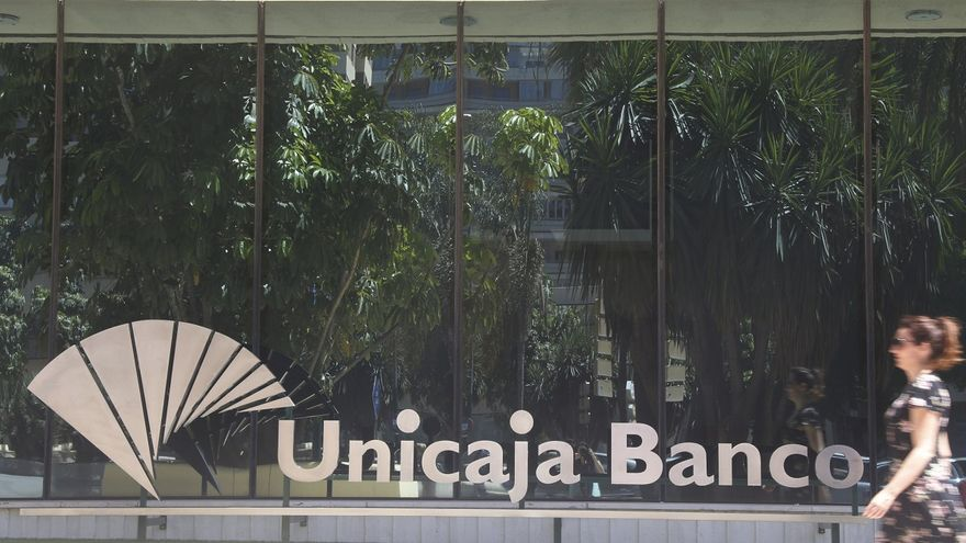 Unicaja plantea pagos del 50% o 52% del salario a los trabajadores de entre 57 y 63 años que se acojan al ERE
