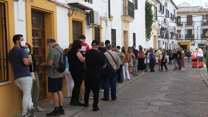 El fin del estado de alarma y los Patios dispararon el turismo el mayo con casi 25.000 visitantes más en un mes