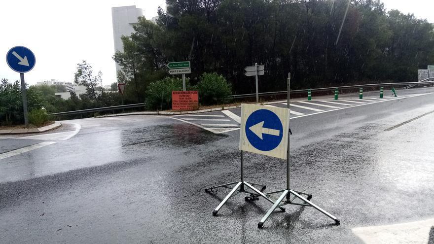 Tres carreteras cortadas por las lluvias en Mallorca