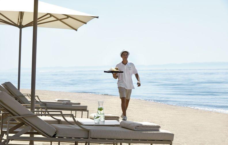 El hotel ofrece servicio  a pie de playa.