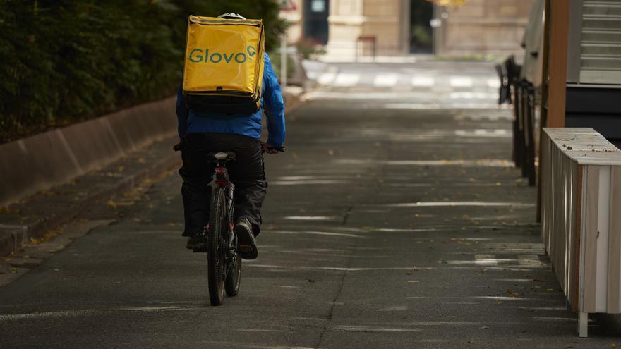 Vence el plazo para que las empresas de reparto a domicilio se ajusten a la Ley Rider