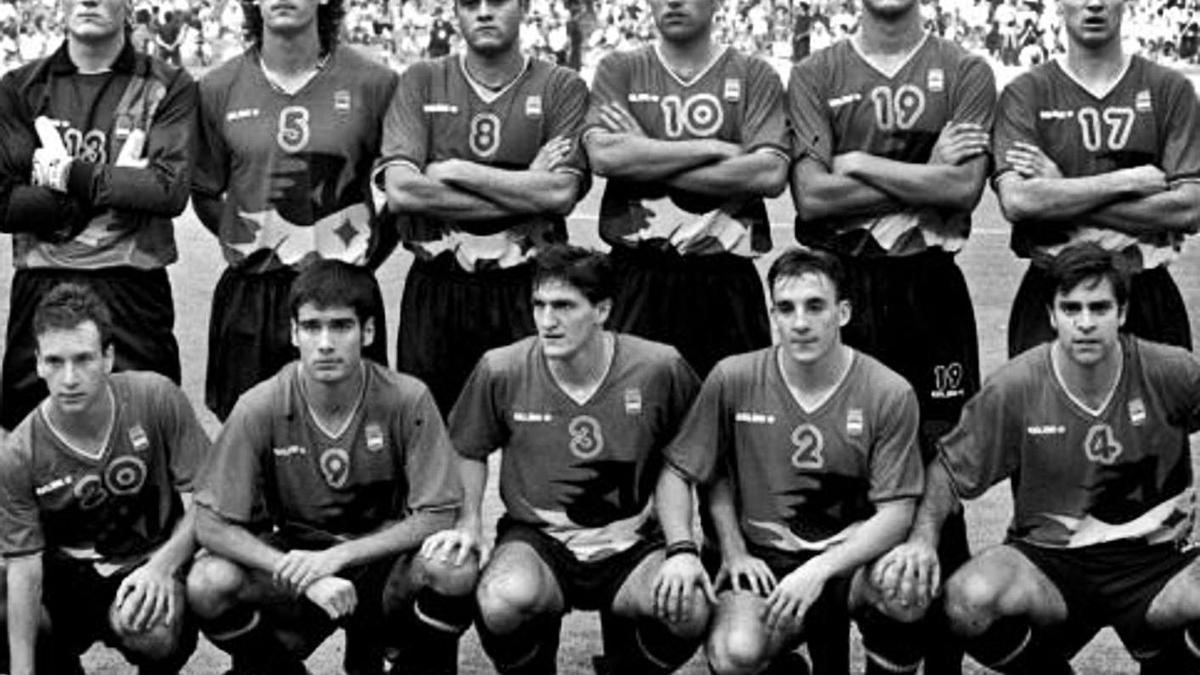 Imagen de la selección española de fútbol que ganó el oro en Barcelona 92.    // FDV