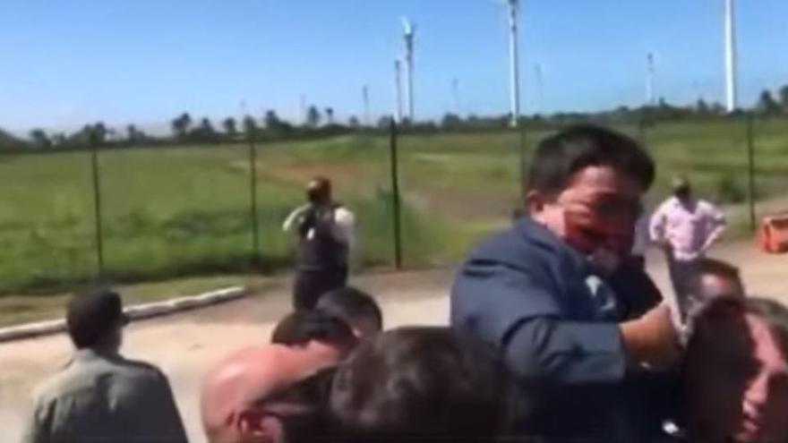 Bolsonaro cargó a un enano creyendo que era un niño