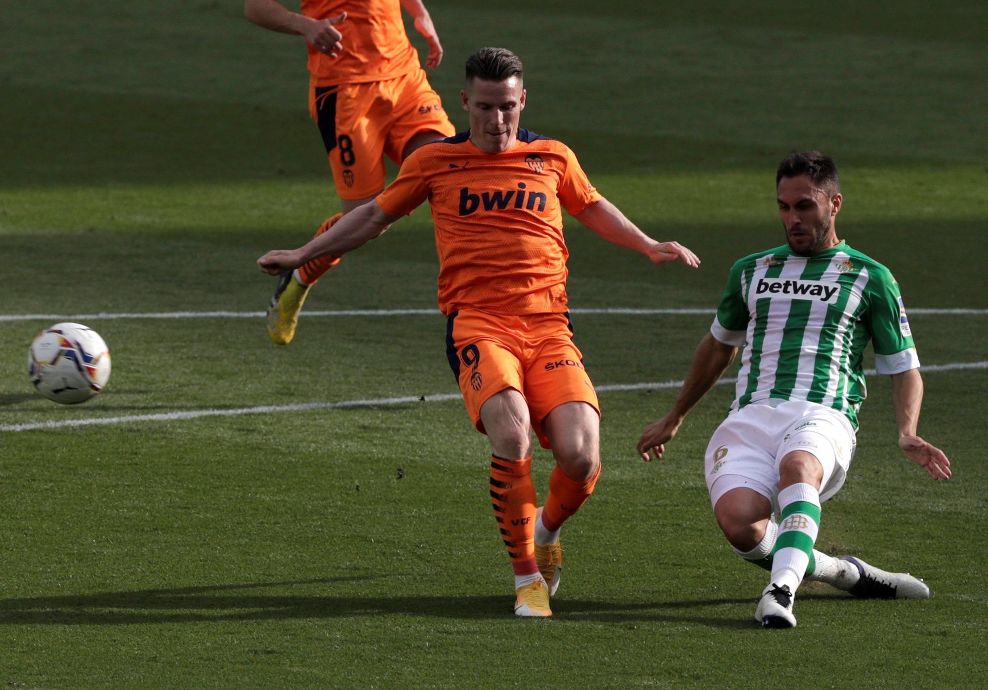 Las imágenes del empate entre el Betis y el Valencia en el Benito Villamarín