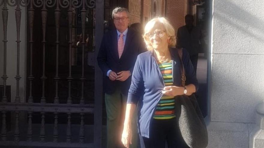 """Carmena renuncia a su acta de concejala: """"Yo ya no soy nadie"""""""