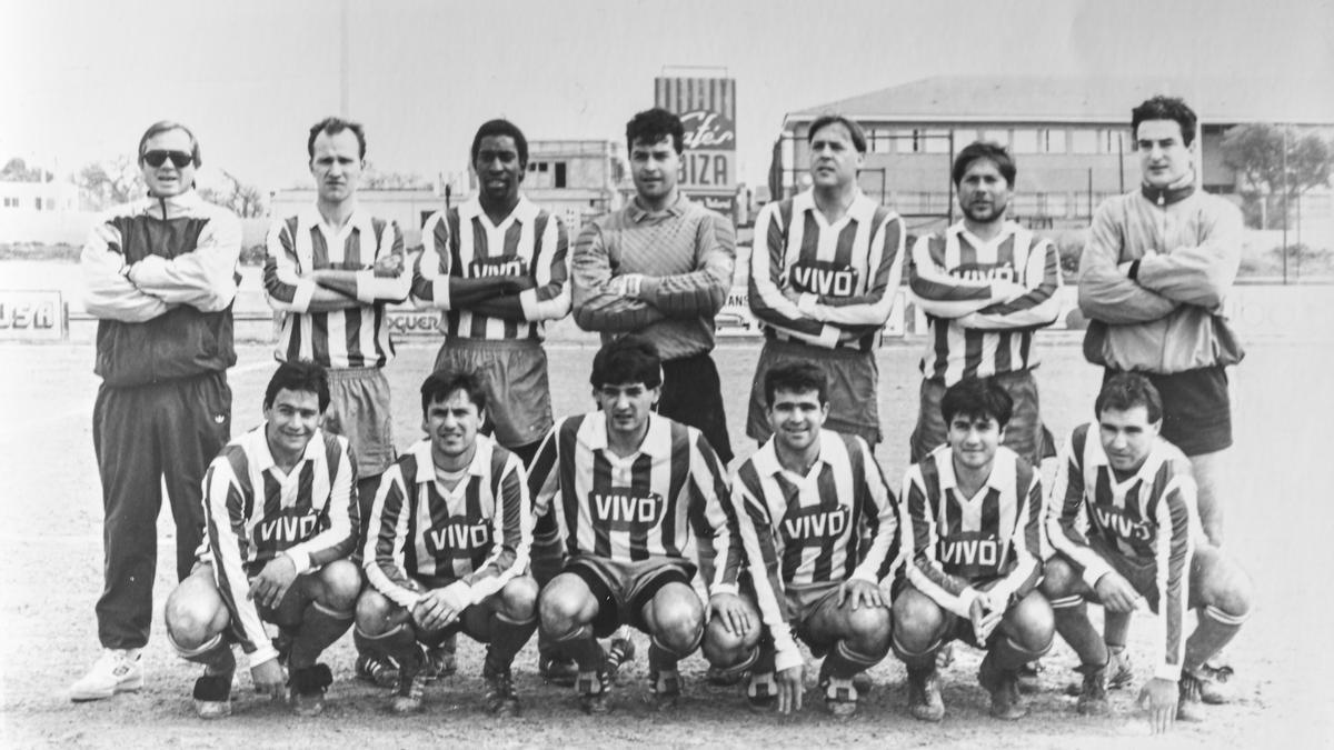 Este equipo del CF Hospitalet jugaba en Regional hace ahora 30 años.