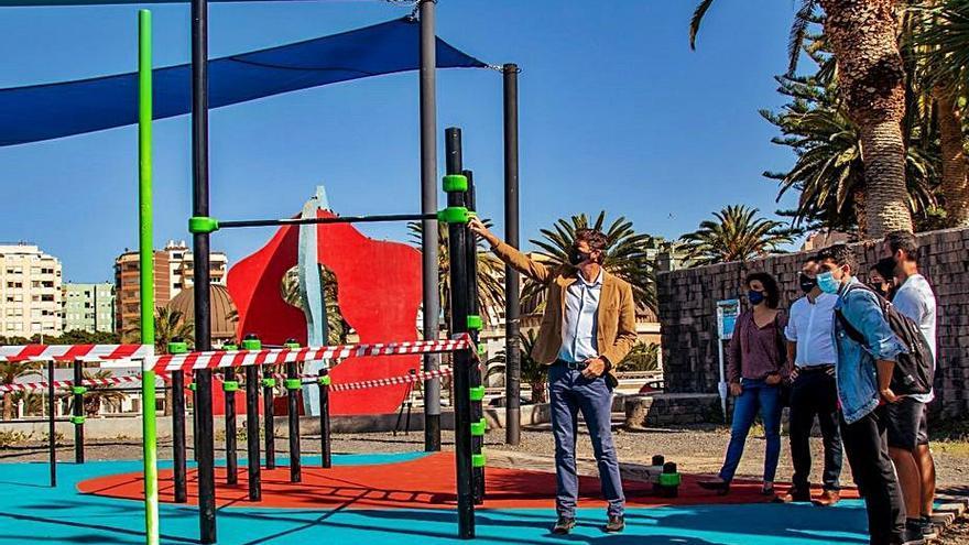 Servicios Públicos renueva el pavimento de la zona de calistenia de La Granja