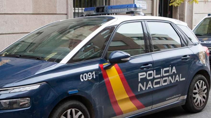 Detenido en Lugo tras atacar con unas tijeras y un cuchillo a la policía