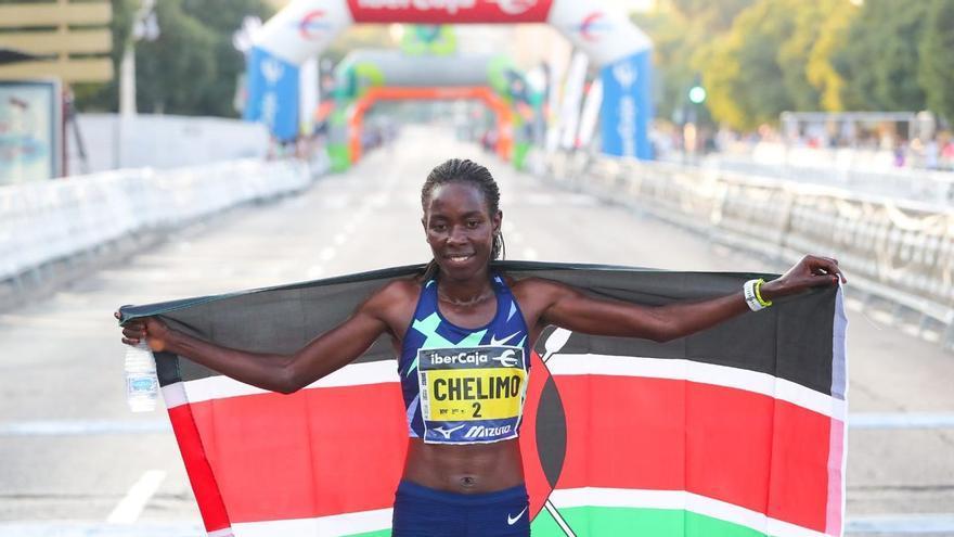 Margaret Chelimo acaricia el récord del mundo en Valencia
