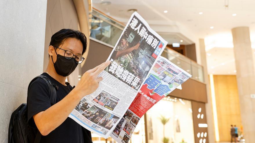 Cierra el último periódico opositor al gobierno de Hong Kong
