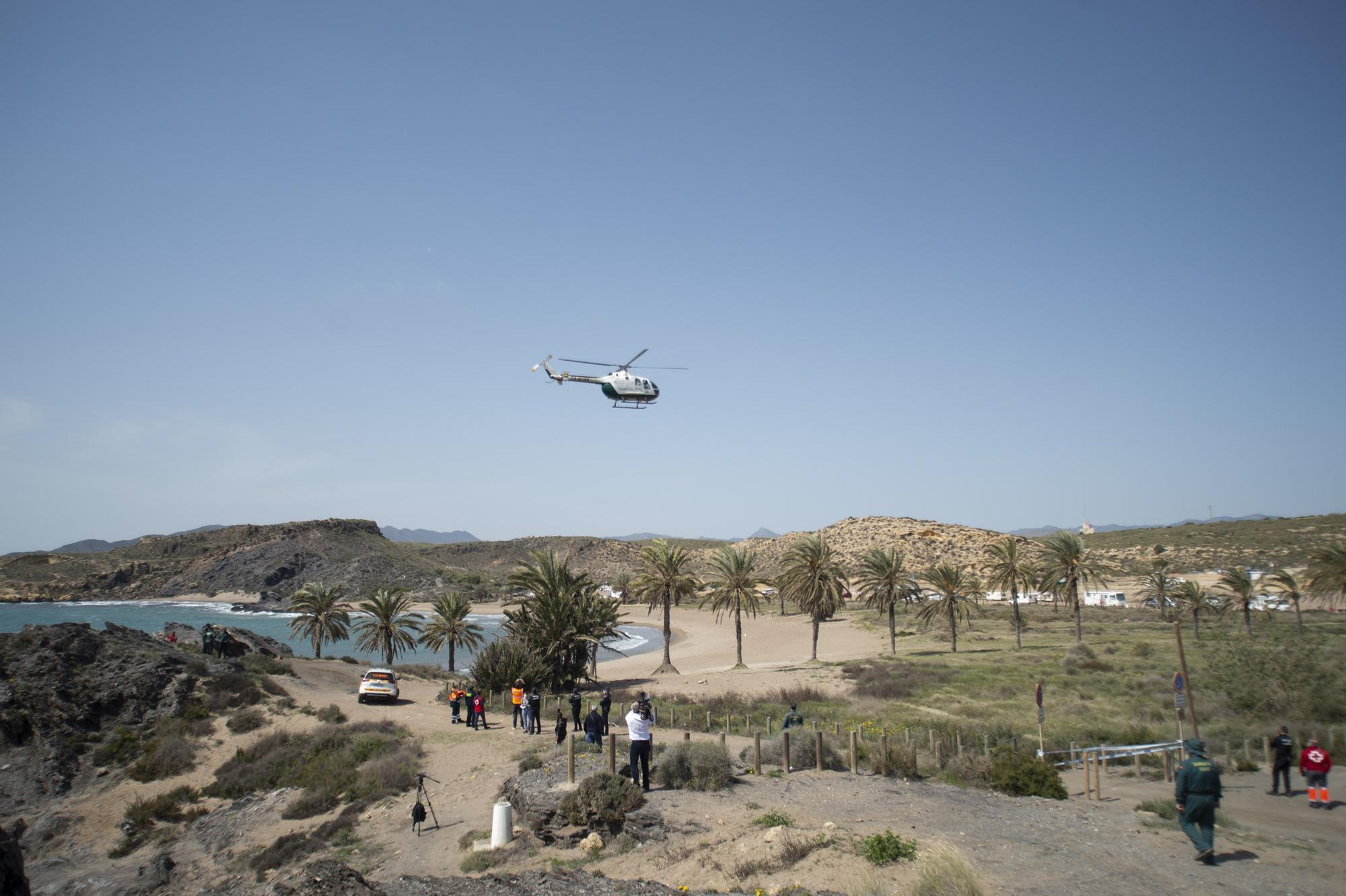 Continúa la búsqueda de los migrantes desaparecidos al naufragar su patera en Mazarrón