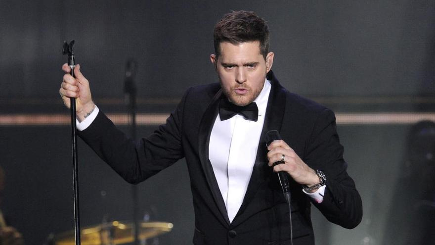 Michael Bublé vuelve a cantar tras mejorar la salud de su hijo