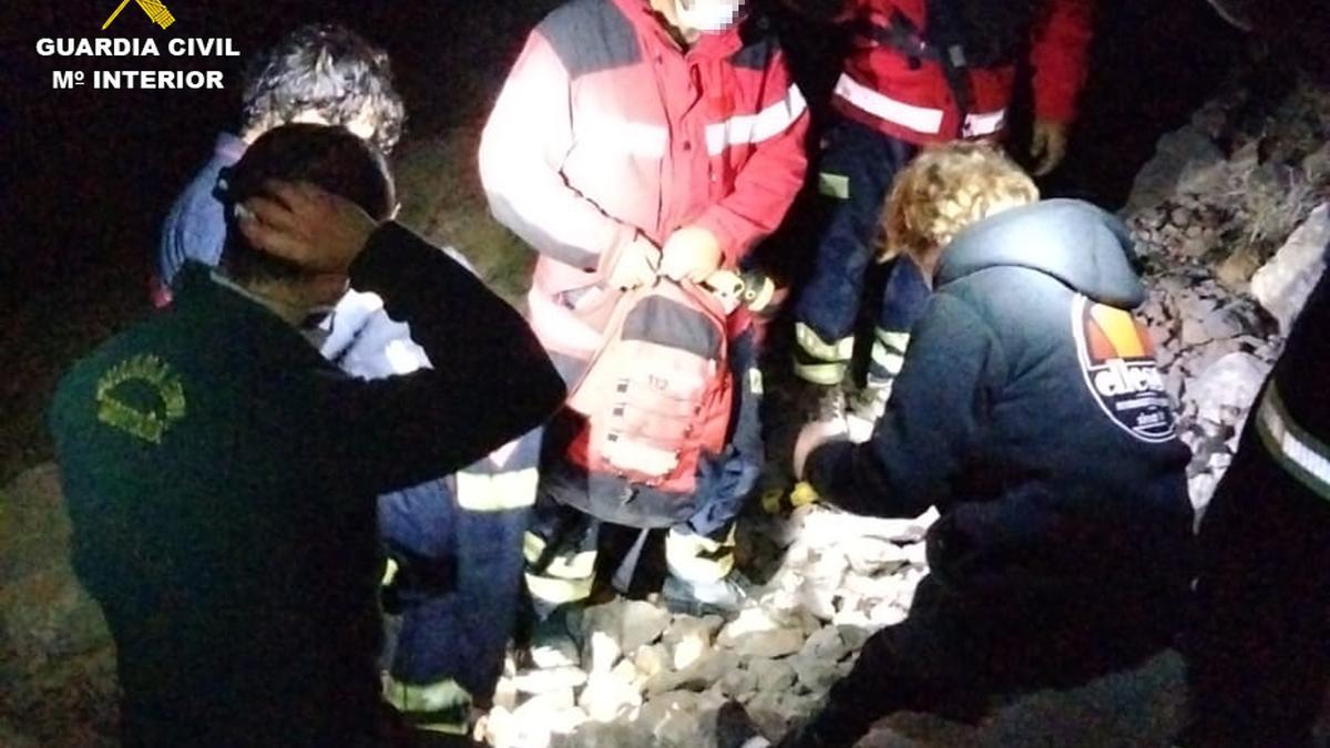 Momento de rescate en el Puig Campana por parte del GREIM