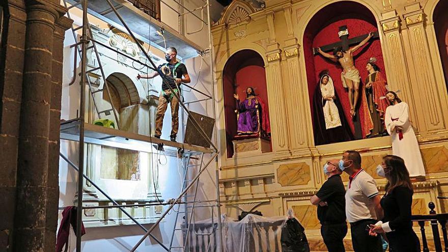 Patrimonio libera de carcoma el retablo de la capilla del Calvario