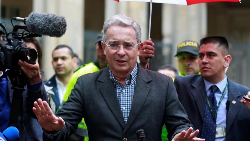 Una jueza colombiana ordena la libertad del expresidente Álvaro Uribe
