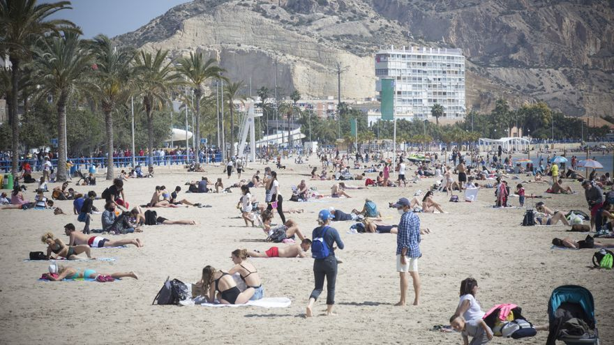 El Gobierno insta a los españoles a planificar ya sus vacaciones de verano