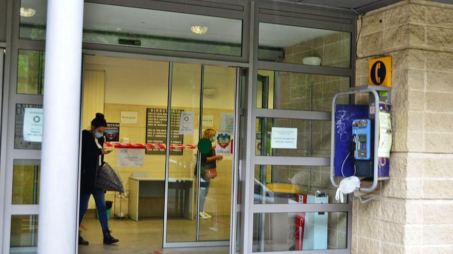 """Portas llama a la movilización social """"urgente y consensuada"""" para evitar que el Sergas cierre el centro de salud por las tardes"""