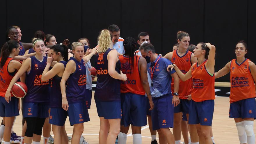 Horario y dónde ver el Clarinos Tenerife - Valencia Basket