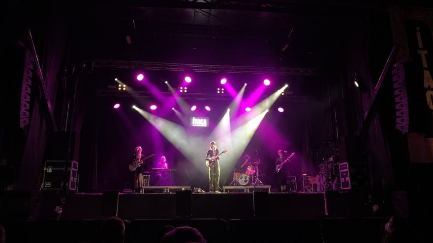El públic es fa seu el concert de Natalia Lacunza al Festival Ítaca, a l'Escala