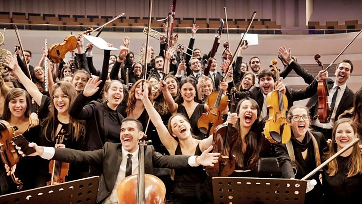 An archive image of the Young Canary Islands Orchestra (Jocan).        LP / DLP