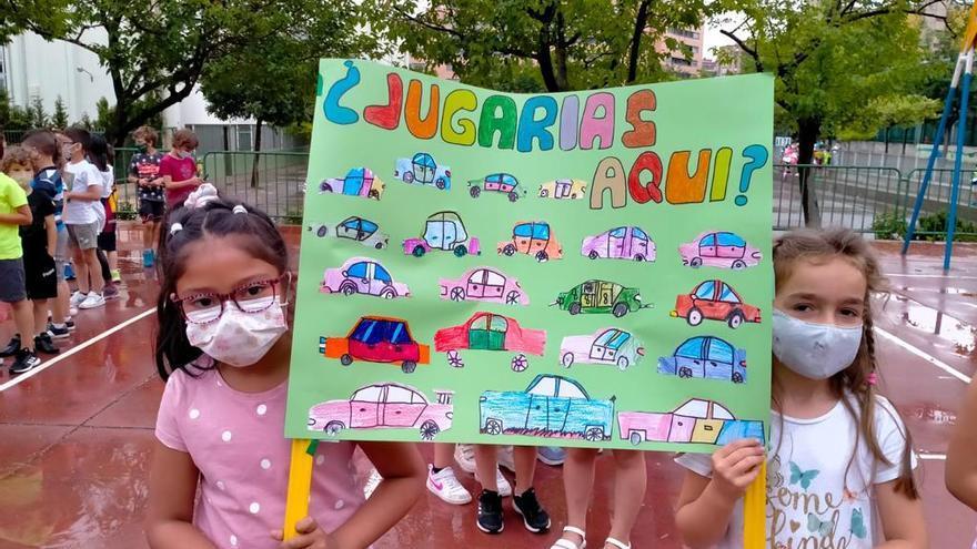 El CEIP José Camón Aznar se manifiesta por el mal estado del entorno del centro