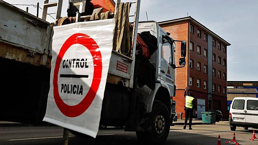 La Policía Local de Castrillón denunció a 34 ciudadanos en la última semana