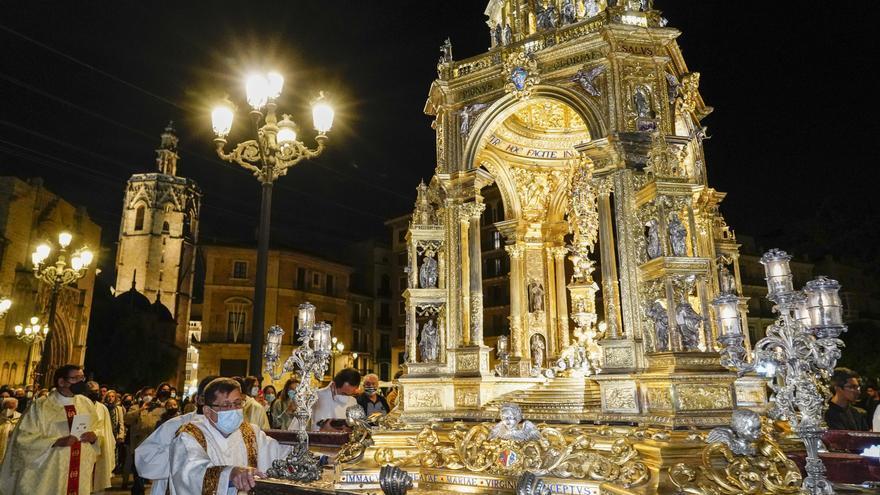 Histórica procesión nocturna de la Custodia de la Catedral