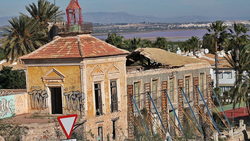 La Casa de Los Balcones de Torrevieja entra en la Lista Roja del Patrimonio