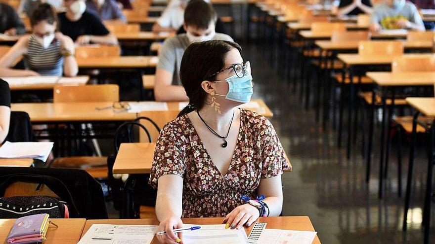 Unos 13.200 gallegos se juegan el acceso a la Universidad entre estrictas medidas antiCOVID