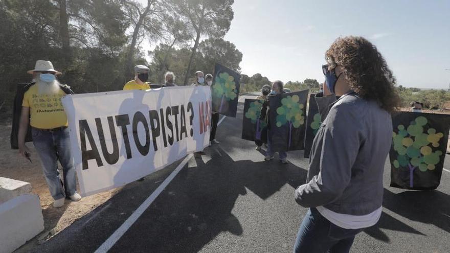 Autobahn-Schneise in den Inselsüden mit Protesten eröffnet