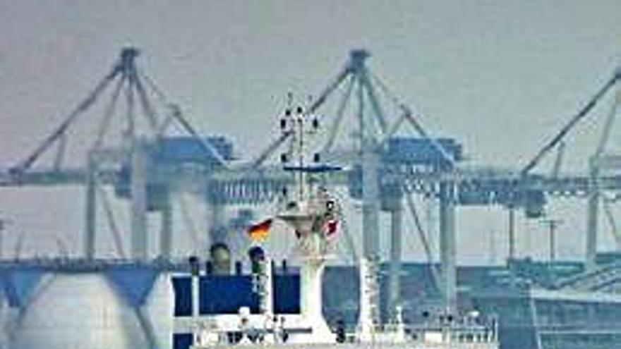 Ocho secuestrados y un herido tras el asalto a un carguero griego frente a Camerún