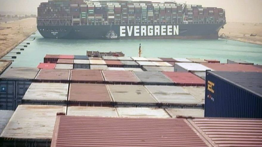 Las soluciones gallegas para el atasco del Canal de Suez