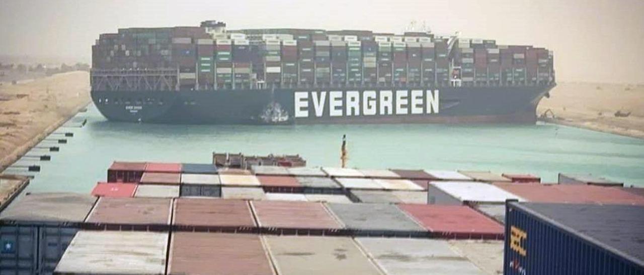 El carguero Ever Given lleva desde el 23 de marzo bloqueando el Canal de Suez