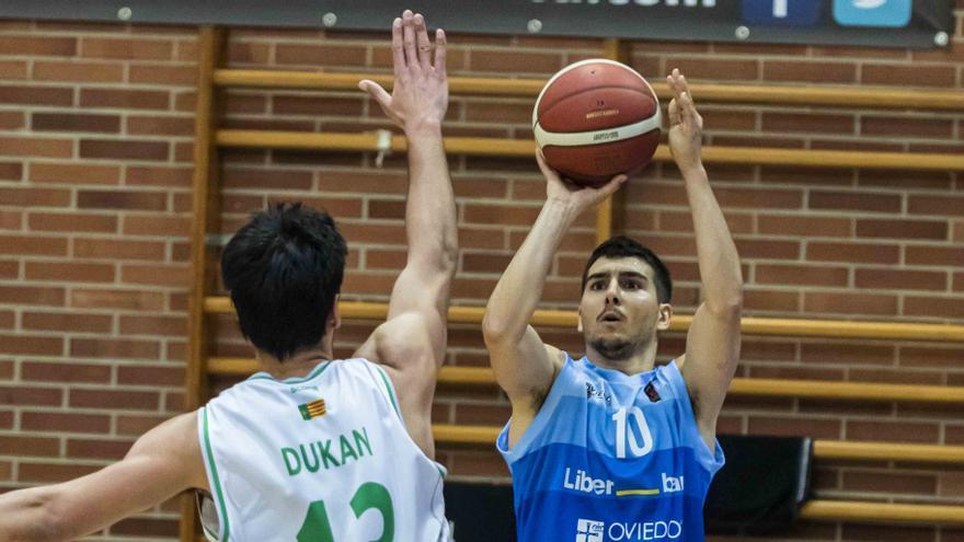 El Oviedo Baloncesto los cose a triples: El Liberbank, que ante el Almansa anotó 15 veces de lejos, es el más certero de la liga, con 5 jugadores por encima del 40%