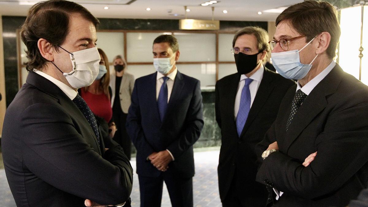 Alfonso Fernández Mañueco clausura el VI Foro Guadarrama en Madrid.