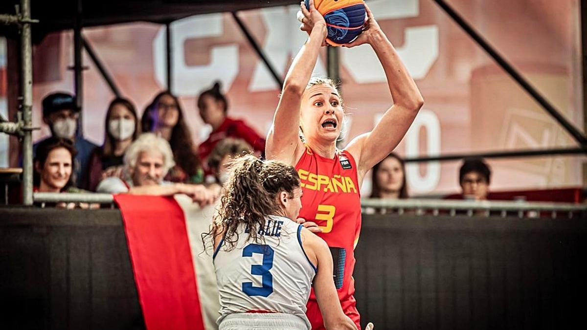 Marta Canella, en el partido contra Italia. |  // FEB
