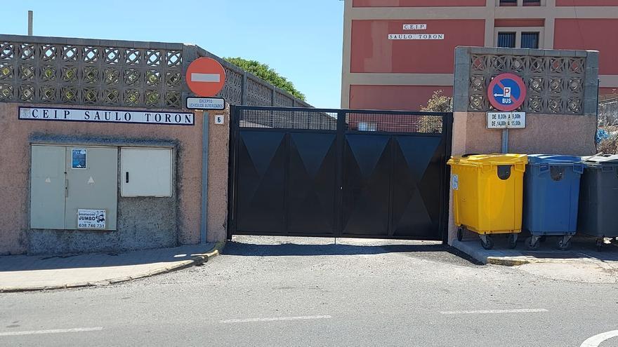 El colegio Saulo Torón soluciona  el problema de cortes en el suministro de agua