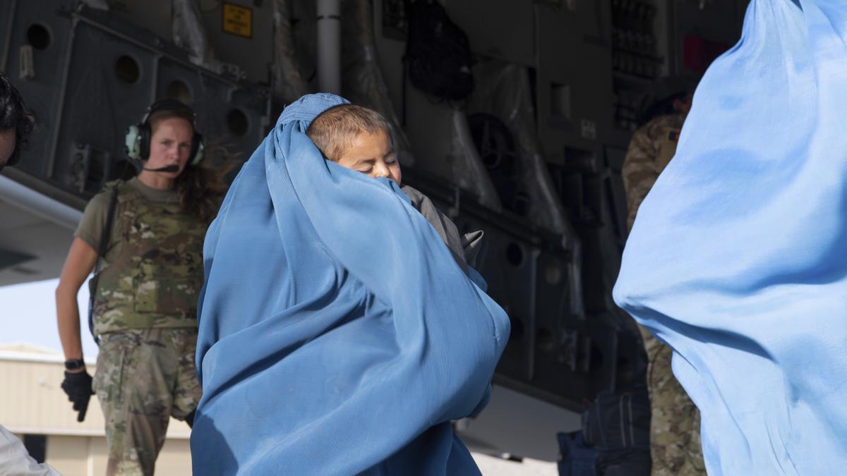 Operaciones de evacuación en el aeropuerto de Kabul.