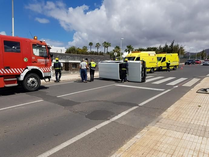 Accidente con vuelco en Playa Blanca