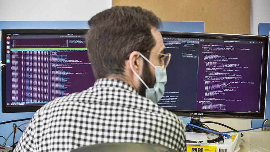 Solo el 5% de los universitarios y trabajadores de la UMH completa la formación en inteligencia artificial