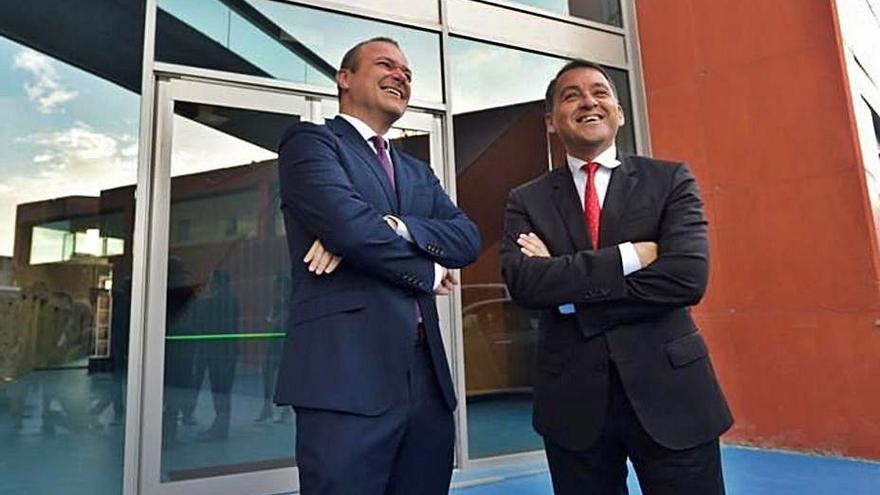 Santa Cruz y Las Palmas piden una reunión urgente al presidente Torres